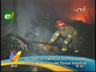 Incendio en una distribuidora de alimentos