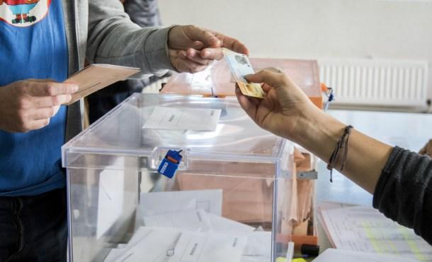 La odisea de votar desde el extranjero