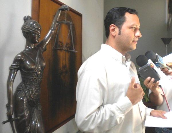 Mandamiento de apremio contra Mérida fue emitido por comité de la Cámara de Diputados