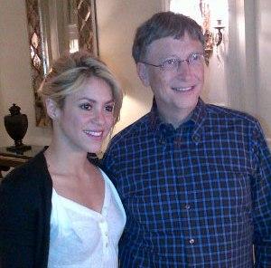 La cantante ha conocido al fundador de Microsoft y filántropo, Bill Gates, cuya foto ha subido a su cuenta de Twitter