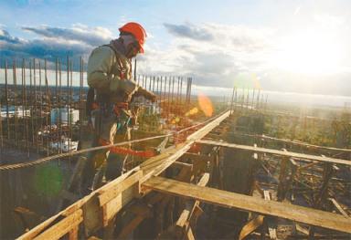Efecto. Según los arquitectos, la construcción de un condominio demanda aproximadamente entre 200 y 300 trabajadores, dependiendo de su tamaño