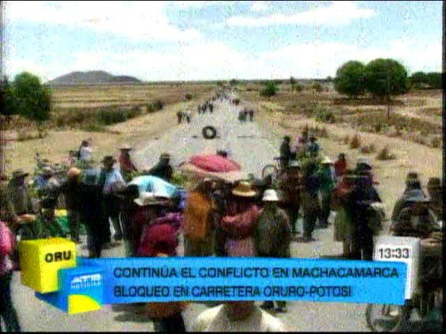 En Machacamarca, segundo día de bloqueo de la vía Oruro-Potosí - eju.tv