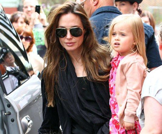 Angelina Jolie con su hija Vivienne