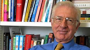 Para el economista Richard Layard, promover la felicidad debe ser prioridad de los gobiernos.