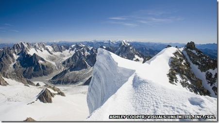 130804085101__69087821_c0061594-summit_of_mont_blanc_du_tacul