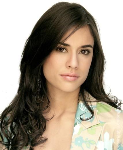 Carolina Ramírez (Cali, Valle del Cauca, Colombia, 20 de junio de 1983), es una actriz colombiana reconocida en principio por su papel como protagonista de ... - carolinaramirez