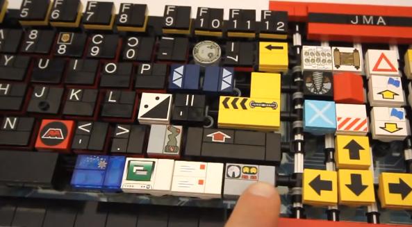 El teclado LEGO que quería parecerse al Optimus Maximus