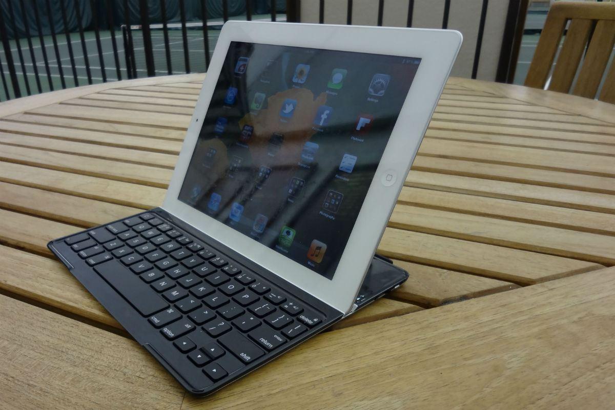 Funda con teclado para ipad air