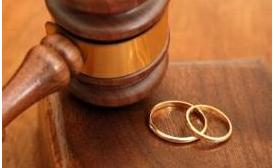 """Un indio se divorcia de su esposa agotado por su """"insaciable apetito sexual"""""""