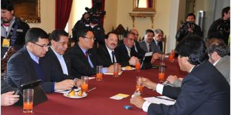 Gobierno entrega reglamento para universidades privadas de Bolivia