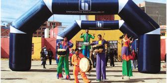 Gobernador de La Paz admite que estafadora de la 16 de Julio era funcionaria del Sedeges