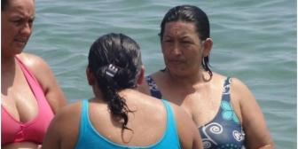 Foto de mujer 'idéntica' a Chávez sorprende en las redes