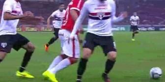 Kaká fue humillado en el Brasileirao