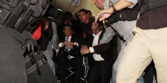 """Condenados a 12 años los seis policías presos por """"intento de magnicidio"""" contra Correa"""