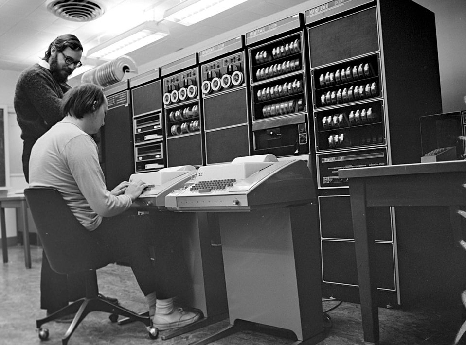 Dennis Ritchie y Ken Thompson