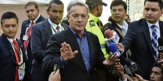 El expresidente Álvaro Uribe no encuentra dónde vivir