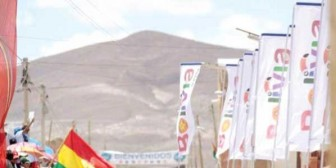 Desfile y feria en el Salar como prólogo del Rally Dakar