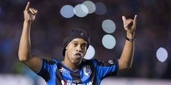 """Querétaro exige """"un castigo ejemplar"""" a un político por llamar simio a Ronaldinho"""