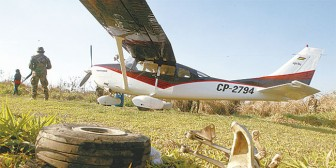 Umopar intercepta a tiros una avioneta con 122 kg de droga