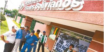Corrupción en YPFB: desaparecen 146 llantas de la estatal; investigan cuentas de 79 ejecutivos