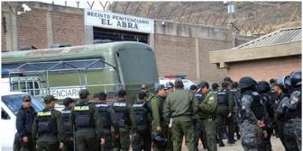 Fiscalía ordena investigar violencia en El Abra; una mujer embarazada fue herida de bala y perdió a su bebé