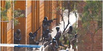 Gobernador de penal de Cochabamba aprobó fiesta que acabó con muertos