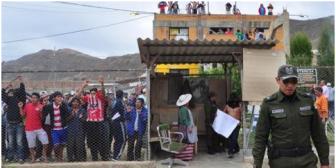 El escándalo crece: Jueza que debe velar el orden en las cárceles participó en los festejos de El Abra