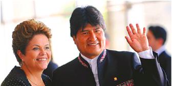 Evo se preocupa por la caída de Dilma y los opositores ponen leña al fuego de la tensa relación