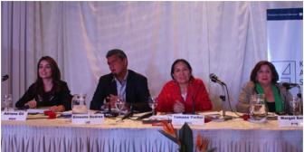 """Candidatos proponen amnistía para """"perseguidos"""" y juicio a Evo"""