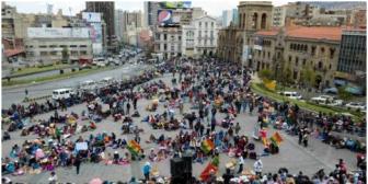 Gobierno boliviano descarta aprobar medida que favorezca a los comerciantes de ropa usada