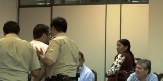 Fiscal apela a la Policía para callar a Villegas