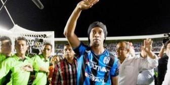 """Político que llamó """"simio"""" a Ronaldinho se disculpa"""