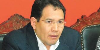 En festejo por 2 años en el cargo, acusan al Fiscal General de encubrir corrupción
