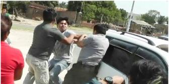 Traslado de detenidos acaba en una trifulca