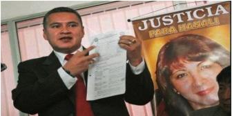 Denuncian chantaje de la Policía contra mamá de periodista asesinada Hanali Huaycho
