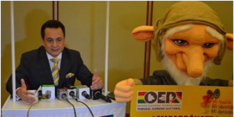 Mascota causa hilaridad y vocal dice que duende del TSE expresa interculturalidad de Bolivia