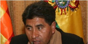 Caso bebé Alexander: reprochan a gobernador de La Paz por no coadyuvar en investigación