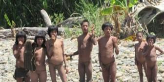 ¿Por qué una tribu aislada ataca a comunidades en Perú con arcos y flechas?