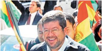 Doria Medina vende cementera Soboce a Holding peruano por $us 300 millones; anuncia que seguirá en política