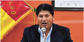 Vice admite que Calvimontes, ministro de Salud, se excedió y dice que Evo evalúa su caso