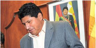 Ministro infidente se justifica y se hunde más; se arriesga a un juicio