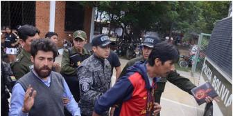 """Envían a la cárcel a masistas cocaleros por """"agredir"""" a Evo Morales"""