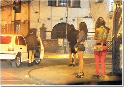Camioneta con Personal de Saiko infraganti con travestis en Metan