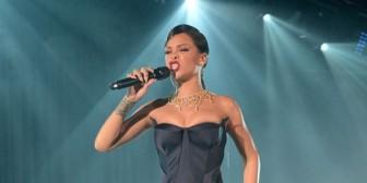 El padre de Rihanna fue expulsado de la gala benéfica organizada por la cantante