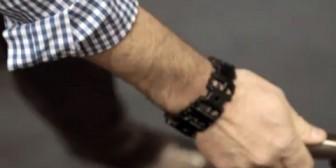 """La increíble pulsera """"McGyver"""" que viene con 20 herramientas"""