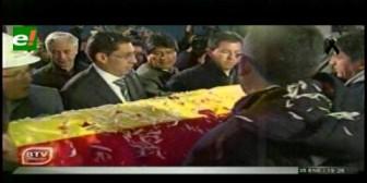 Llegan los restos de Carlos Villegas a Bolivia