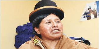 ¿Caerá? Revelan que la candidata Huanca direccionó proyectos a una consultora