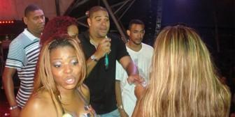Adriano pagó una fiesta para sus amigos con 18 prostitutas