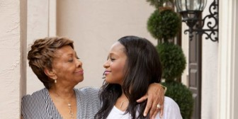 "La abuela de Bobbi Kristina Brown: ""No queda demasiada esperanza"""