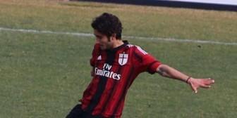 Gamarra debutó en la goleada del Milan